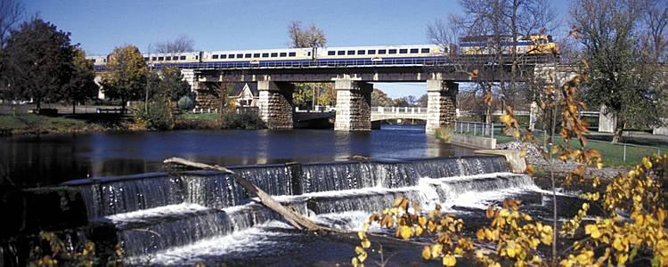 Les Grandes villes de l'Est Canadien en train