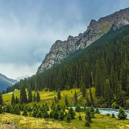 Randonnée vers le sommet des montagnes célestes - Bichkek -
