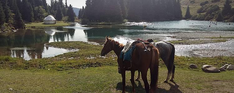 Paseo a caballo en el país de los nómadas