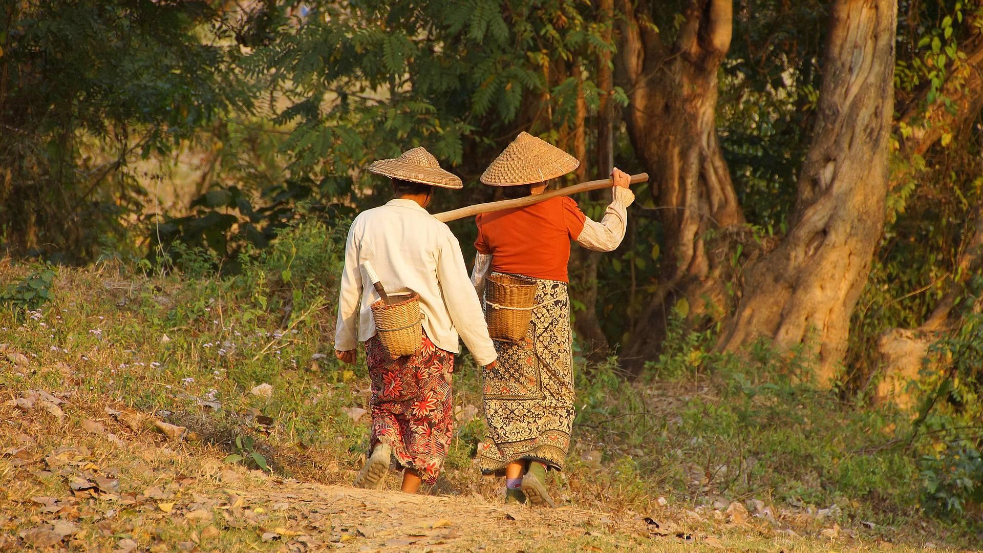 A contatto con le tribù Burma e Shan