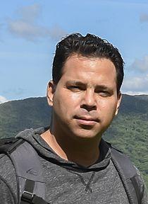 Die lokale Agentur vonOscar Felipe