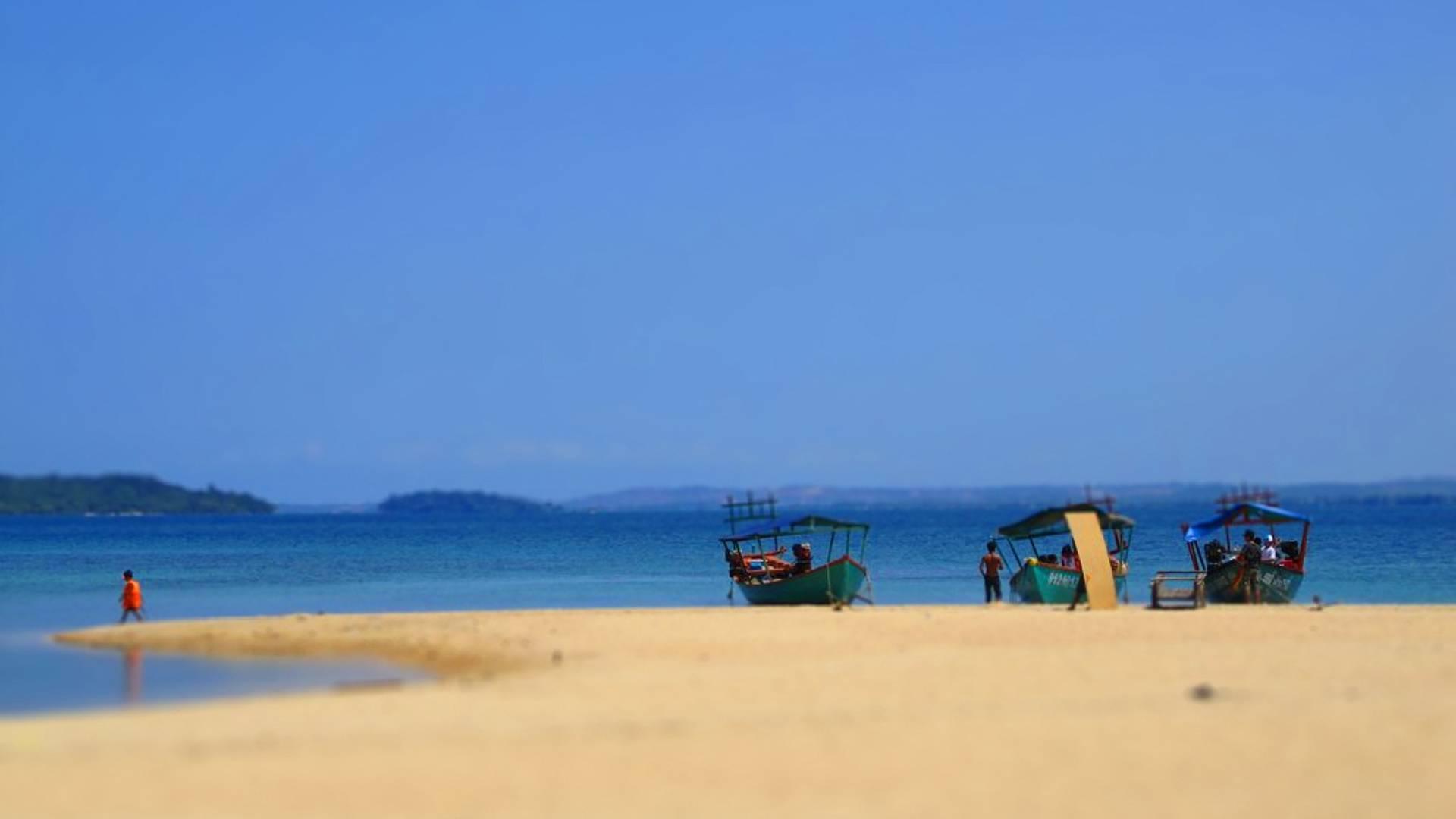 Recorrido por el lago y relax en las playas de Camboya