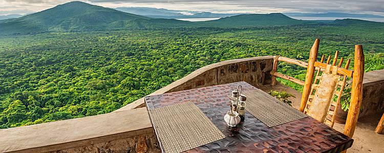 Luxus Safari durch vier Nationalparks