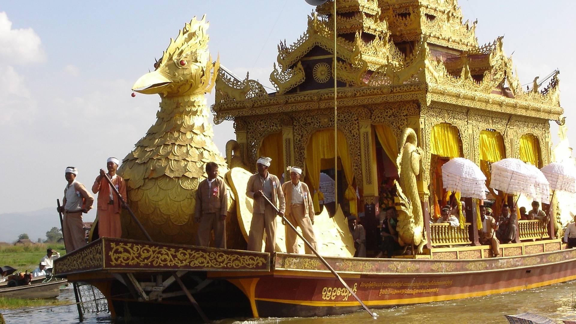 L'incroyable Festival de la pagode Phaung DawOo sur le lac Inle