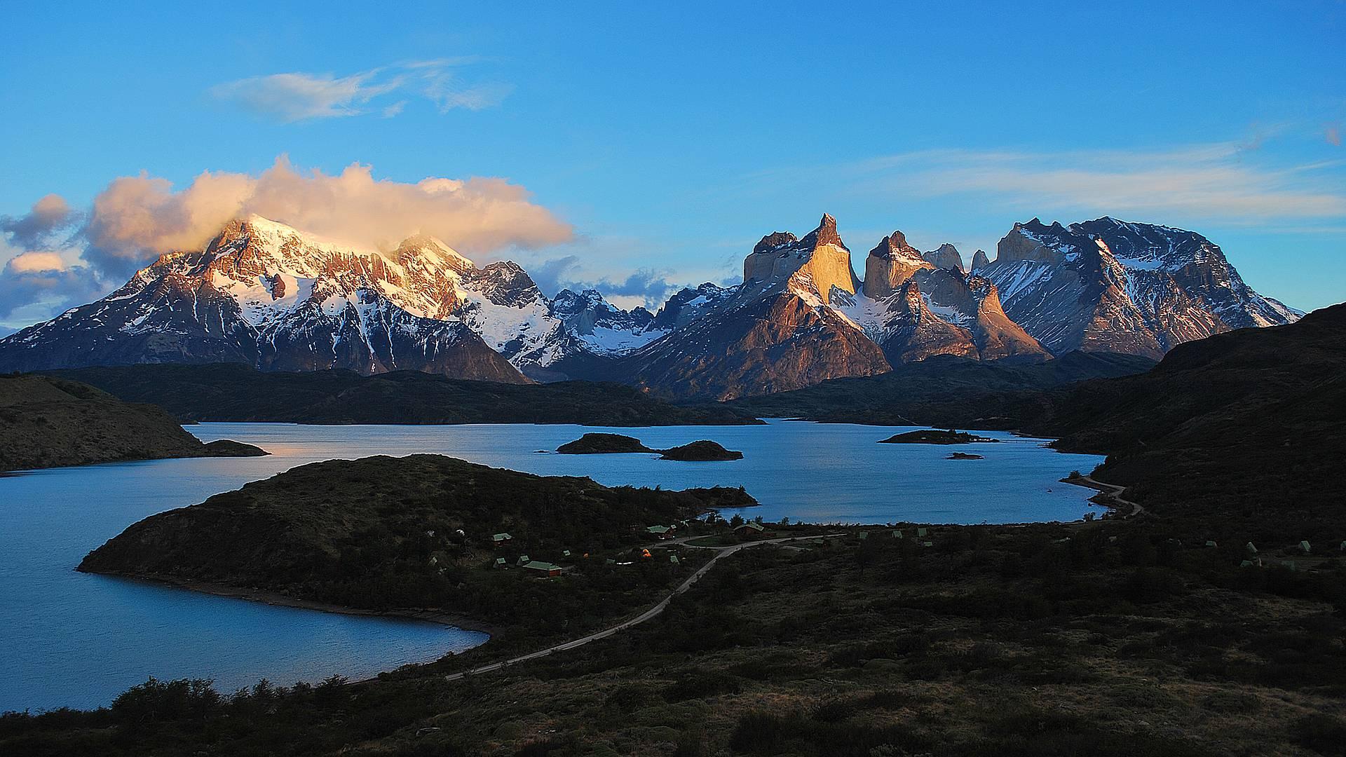 Rotta verso l'Isola di Pasqua attraversando la Patagonia e l'Atacama