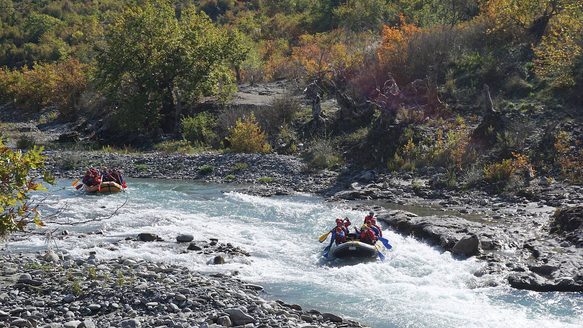Rafting et randonnées à Krujë