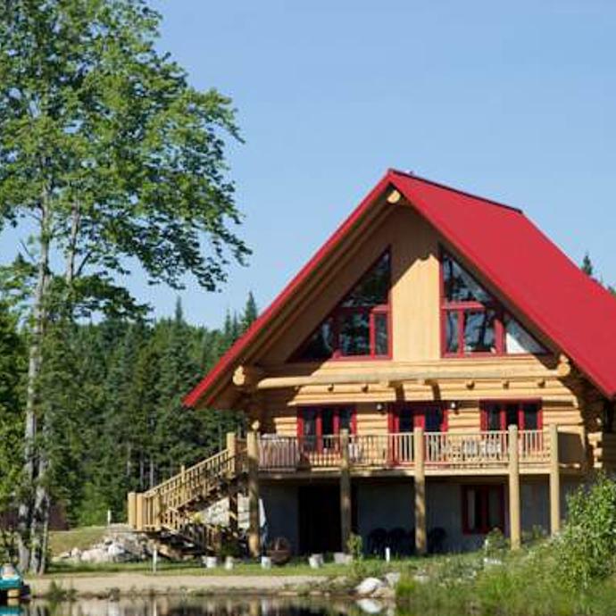 Circuit canada ma cabane en bois rond dans le charlevoix for Ma cabane en bois