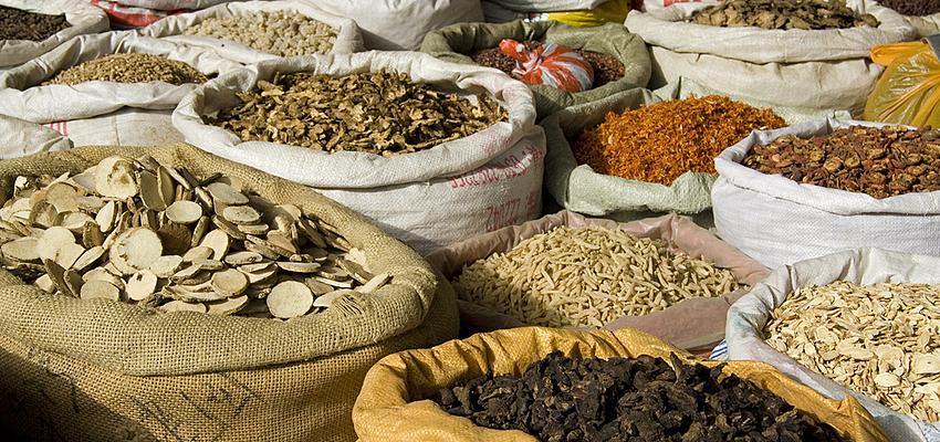 Epices et herbes médicinales chinoises