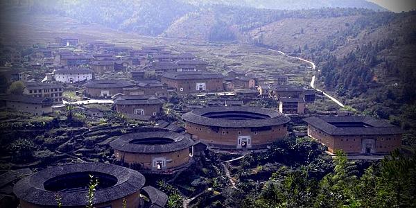 Tulou, bâtiments impressionnants du Sud de la Chine ! @flickr cc kudumomo