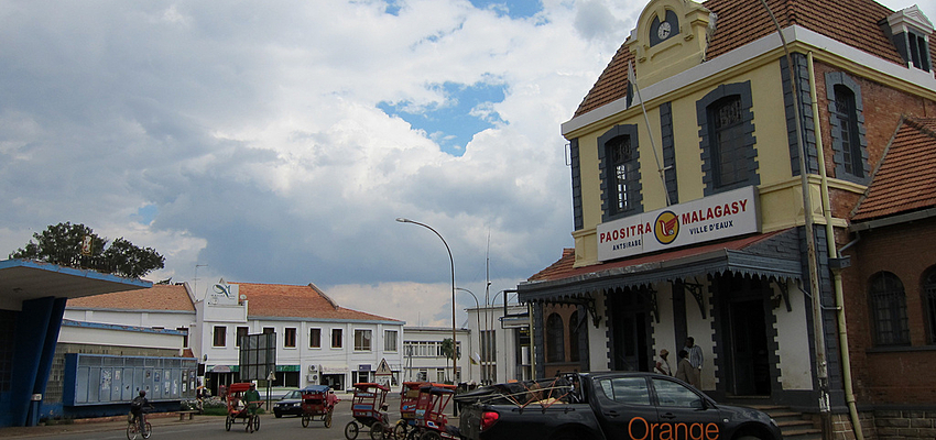 Oficina de correos malgache @flickr cc bDom - artista - www.bdom.info