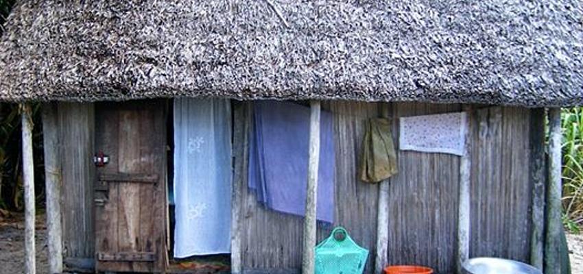 Madagascan house @Servane Rigault