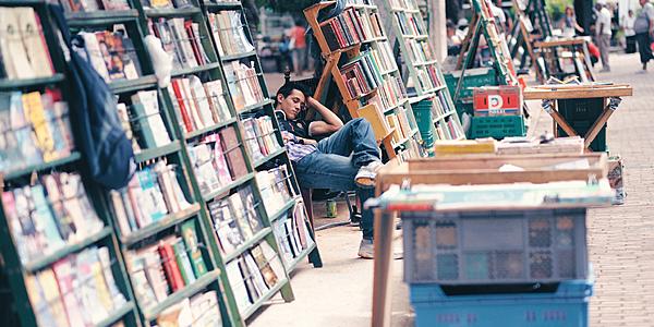 Marché aux livres à Plaza de Armas
