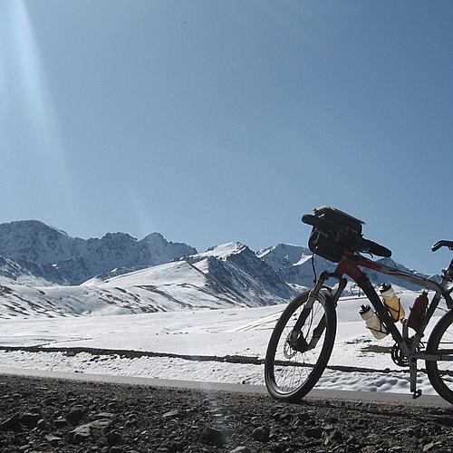 Trek et VTT dans les prairies des nomades - Aéroport international de Manas-Bishkek -