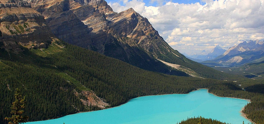 Famous photo of a national park near Alberta