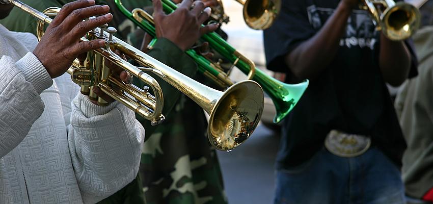 banda de jazz en las calles de Nueva Orleans