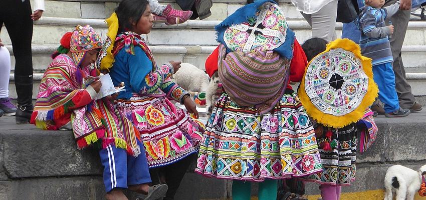 Los célebres tejidos peruanos