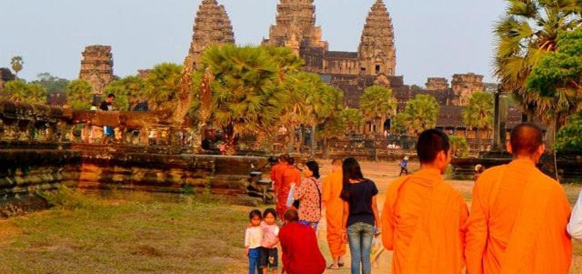 Monjes en Angkor Wat
