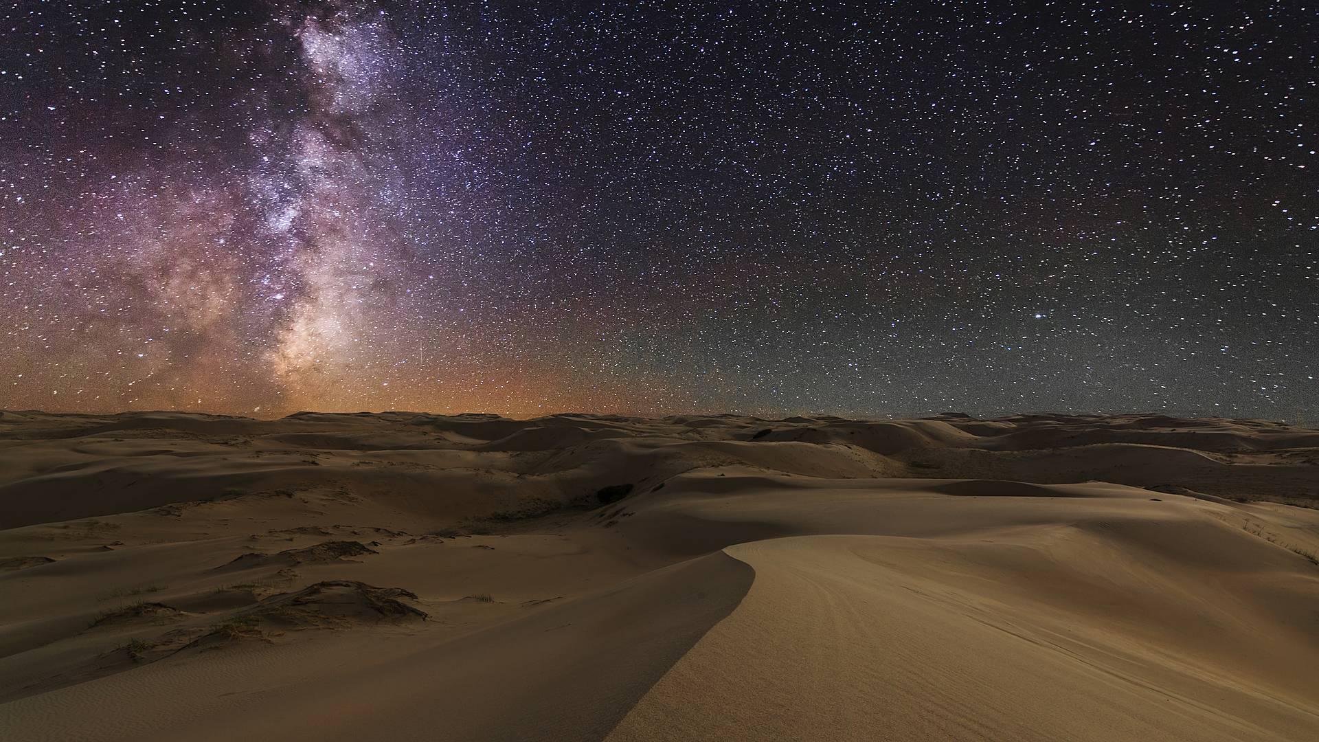Chasse aux étoiles dans le désert de Gobi