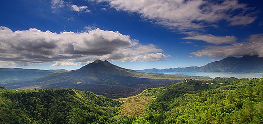 Vista de un volcán en Indonesia