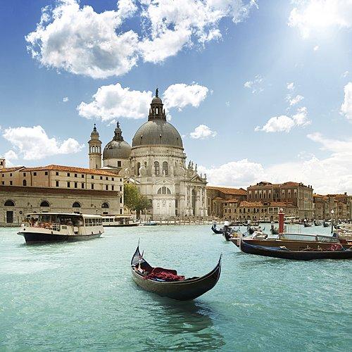 La beauté des lacs italiens et de Venise -