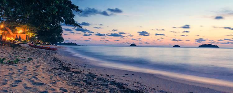 Selvas de Kanchanaburi y playas de Phuket en grupo reducido