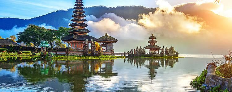 Kultur- und Tierwelten von Java über Borneo nach Bali