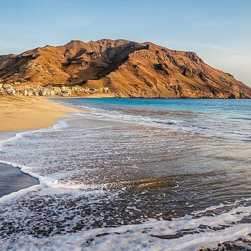 Vallées tropicales et plage de sable blond - Mindelo -