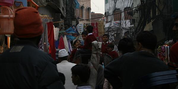 Por las callejuelas de Vieja Delhi