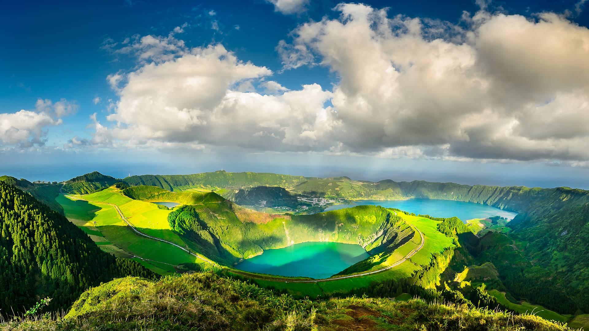 Mit dem Mietwagen über vulkanische Inselwelten