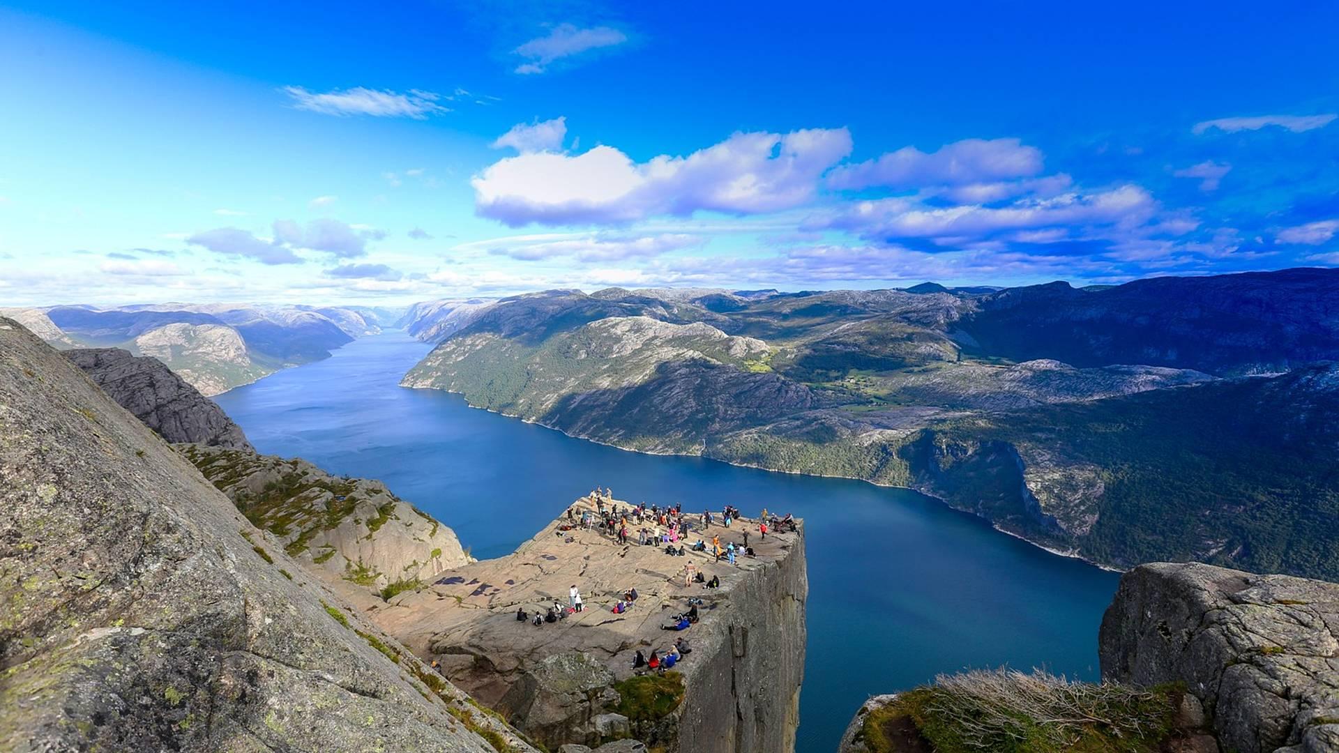 Les fjords en train