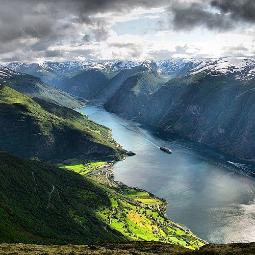 Le Sognefjord en train et bateau -