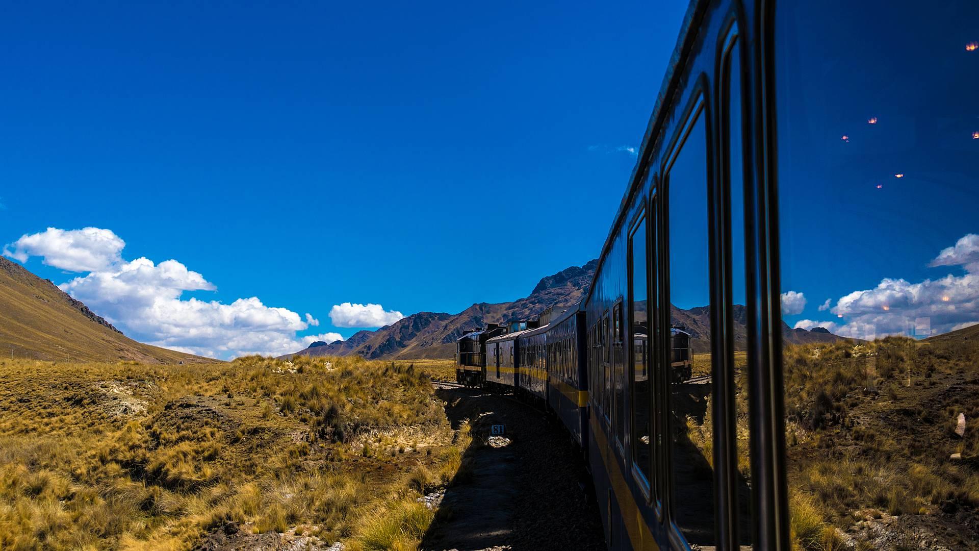 Treno di lusso attraverso le Ande