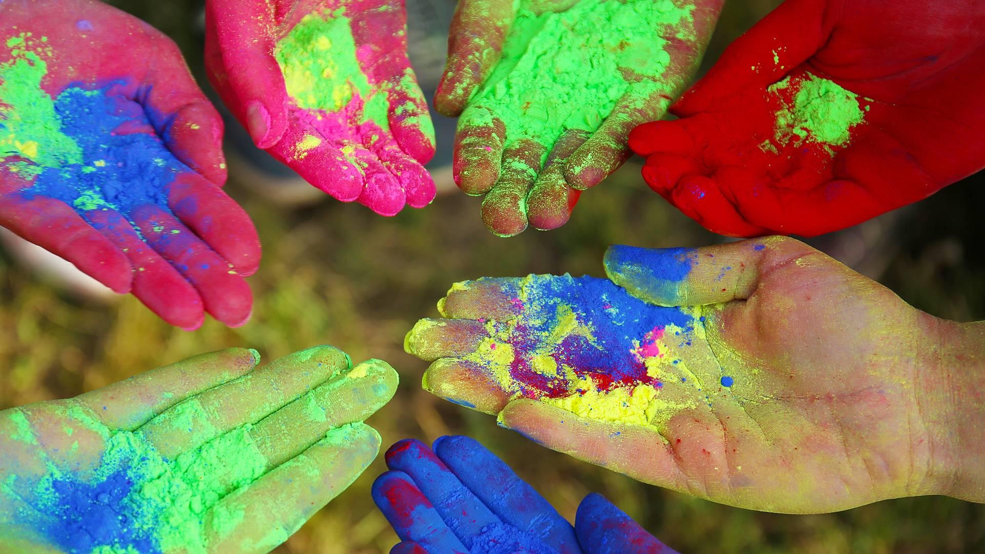 Kulturelle Highlights und farbenfrohes Holi Fest