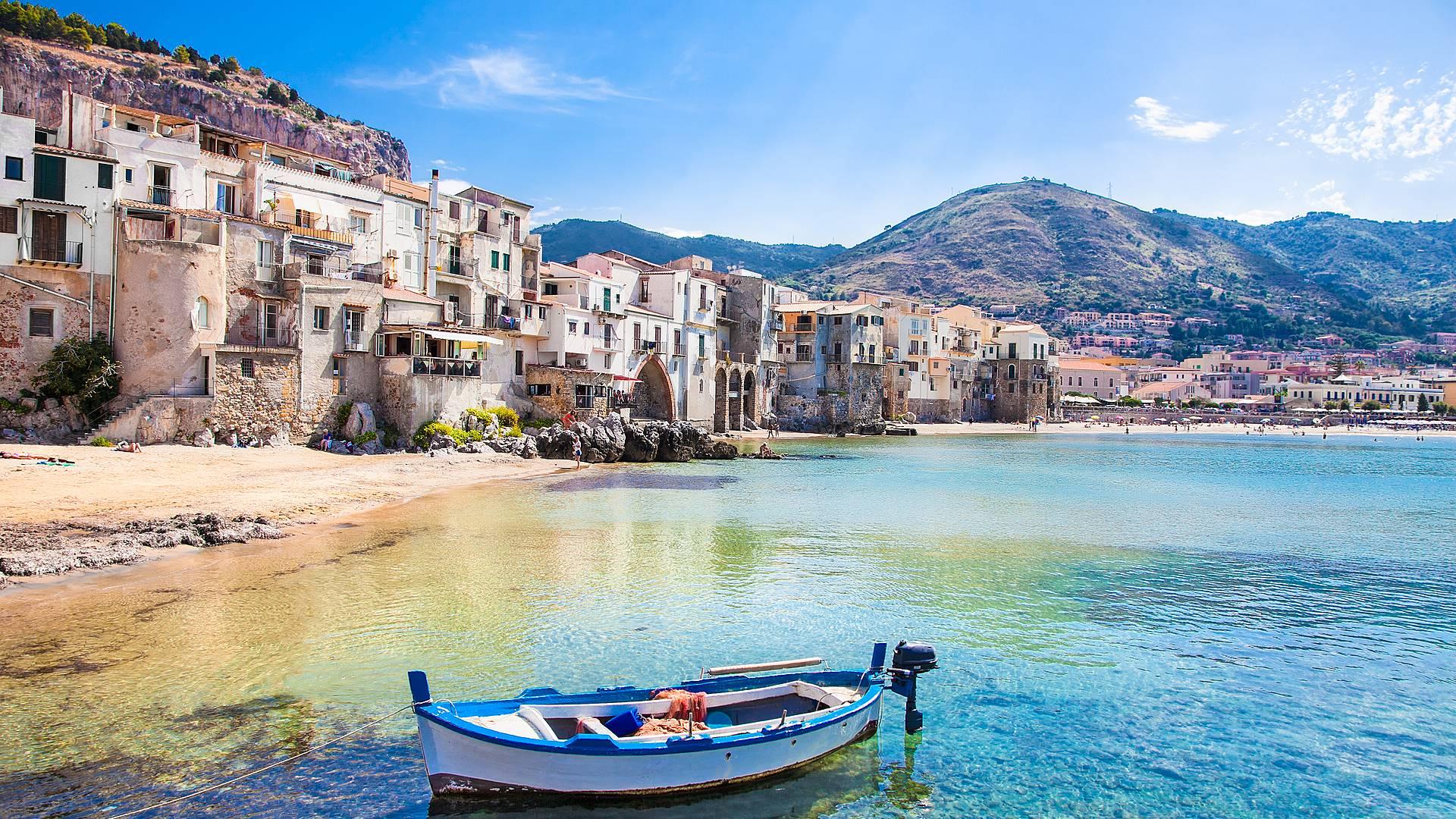 Descubriendo la isla de Sicilia en grupo