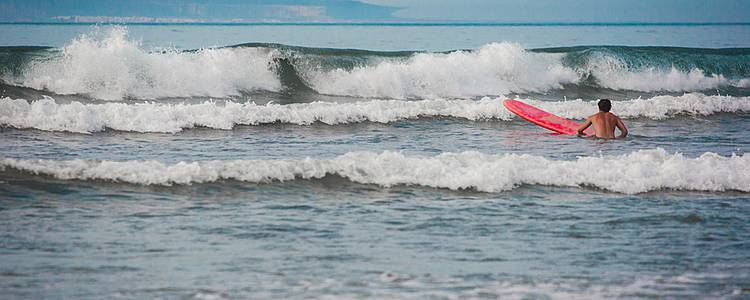 Lanzarote aquatique, initiation Surf, planche à voile et baptême de plongée