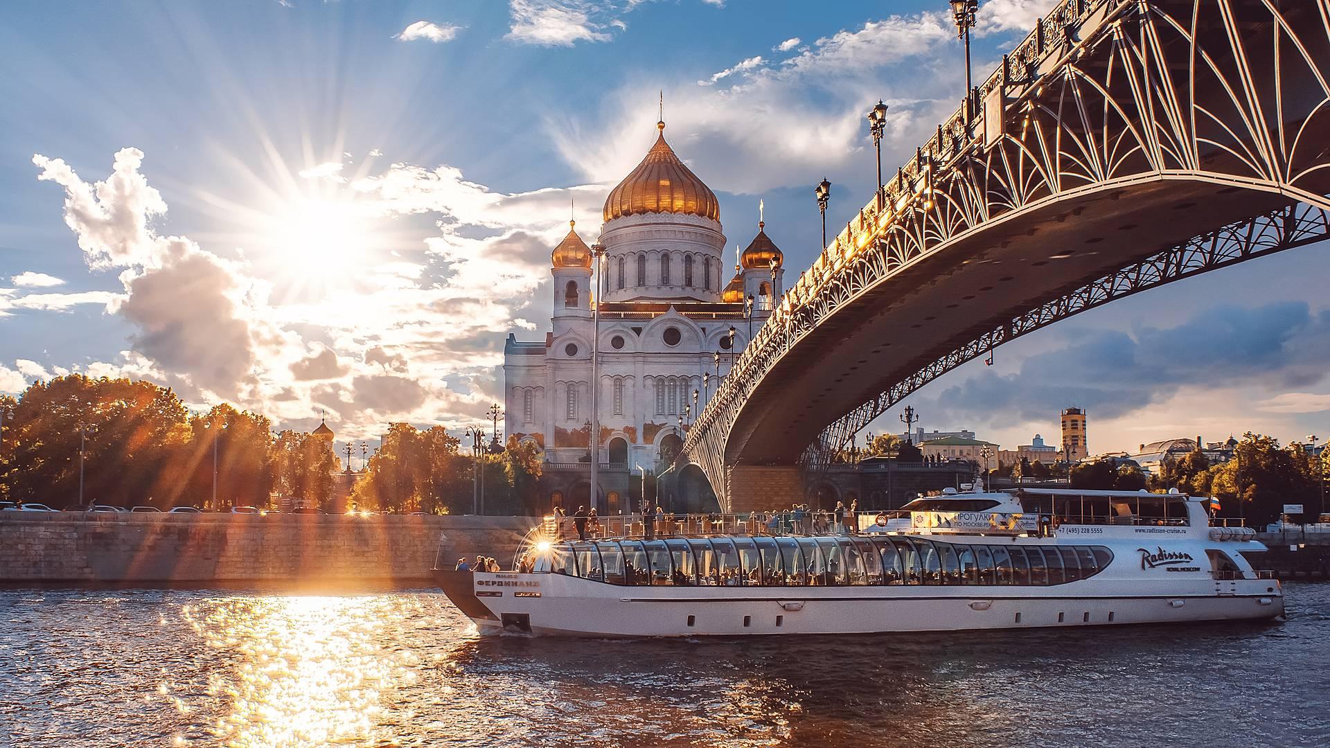 De Moscú a San Petersburgo, capitales de los zares