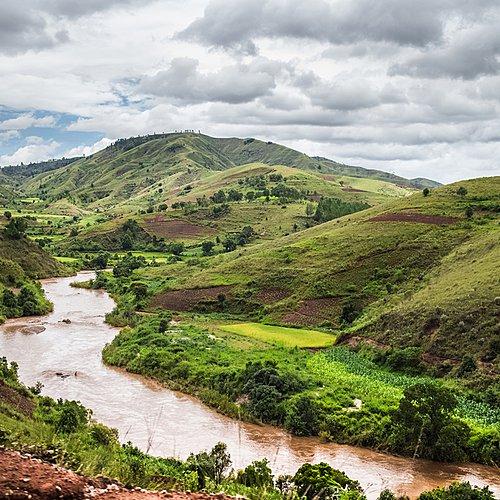 Descente de la Tsiribihina et Tsingy du Bemaraha - Miandrivazo -