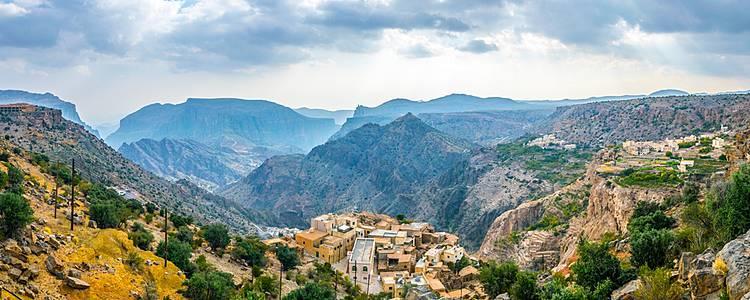 Montagnes, oasis et déserts en randonnée