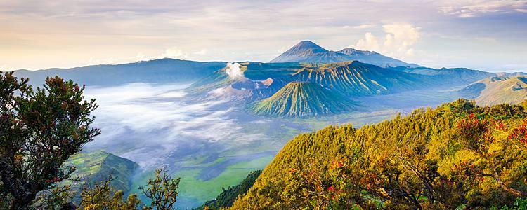 Avventura tra vulcani e oranghi e relax al mare