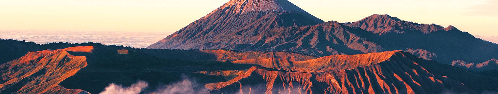 Volcano tours in Indonesia