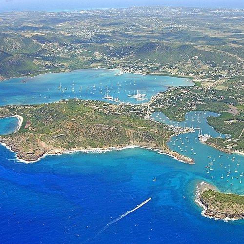 La Martinique et les îles du nord en catamaran privé -