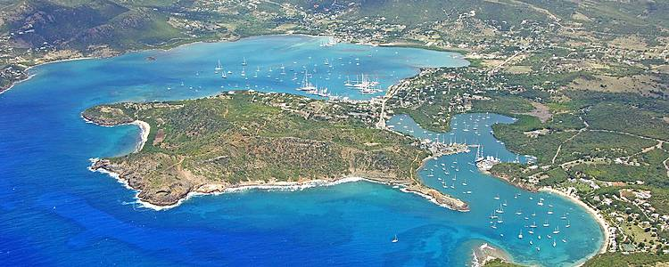La Martinique et les îles du nord en catamaran privé