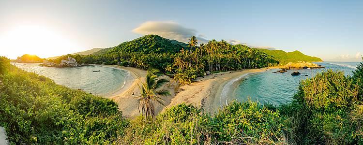 El caribe y pacífico colombiano