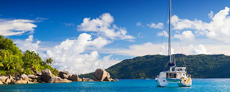 Katamaran-Kreuzfahrt im Inselparadies