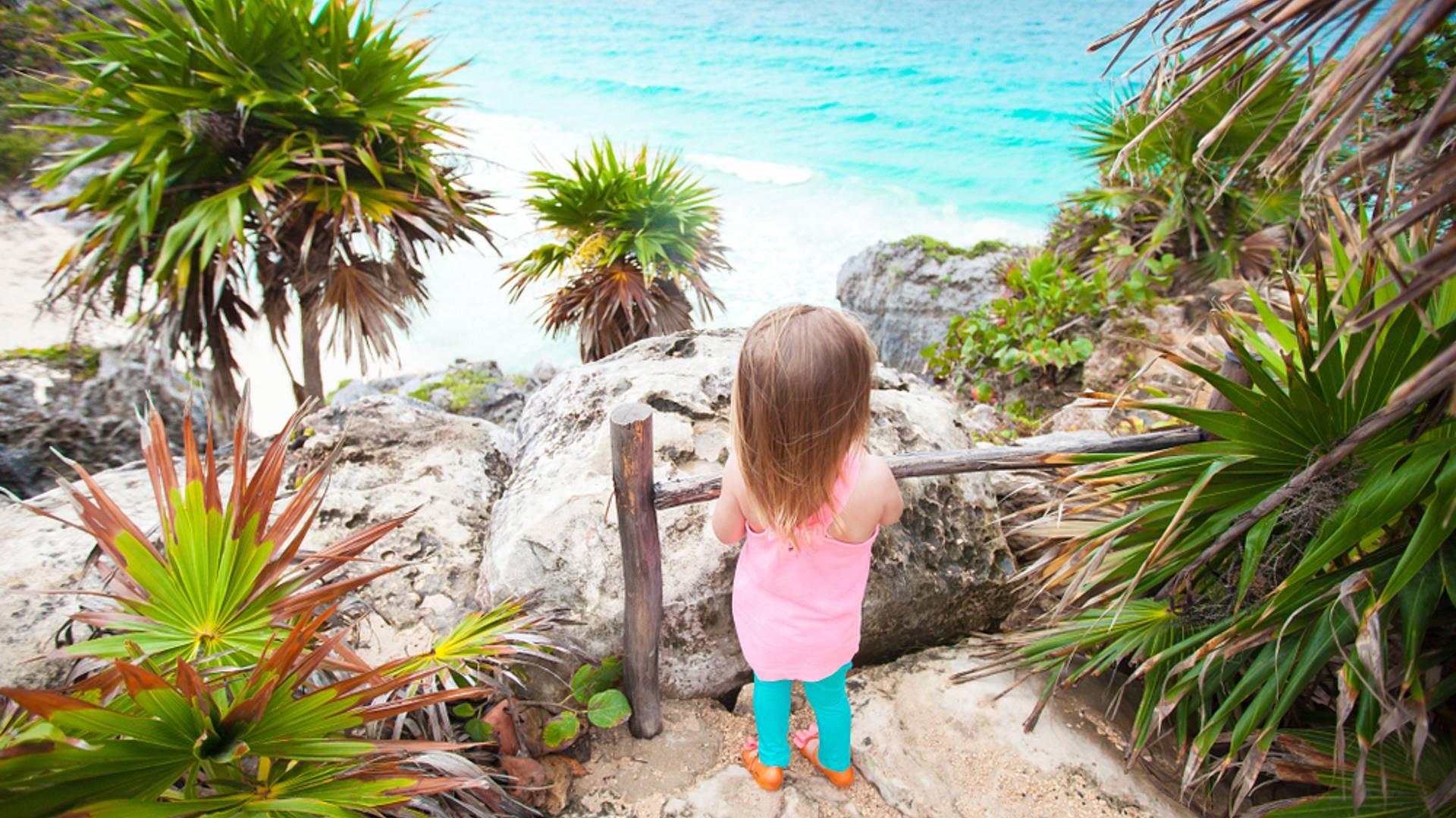 Tour in famiglia tra divertimento, storia Maya e natura