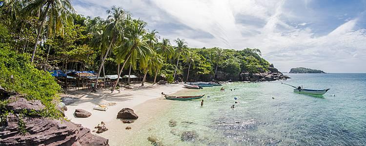 Scoperta del passato coloniale e vacanza al mare