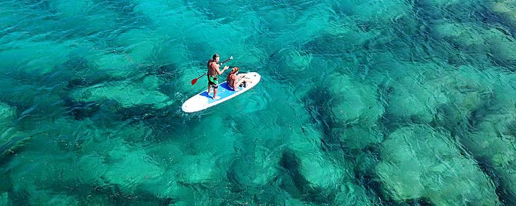Un viaggio, un sogno: acqua cristallina, spa e surf