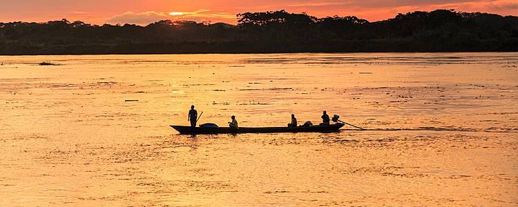 Joyas peruanas, Islas Flotantes e Iquitos