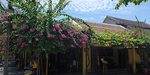 Restaurante en las calles de Hoi An, Vietnam