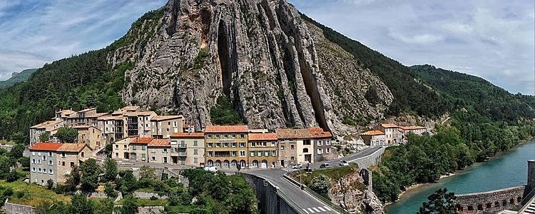 La Route Napoléon des Alpes à la Provence